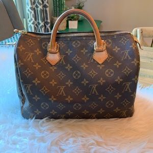 Vintage Louis Vuitton Speedy 30.